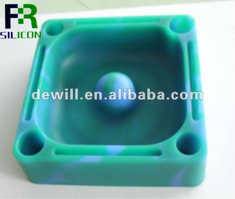 2012 the hot /newest & fashional silicone ashtrays for cars
