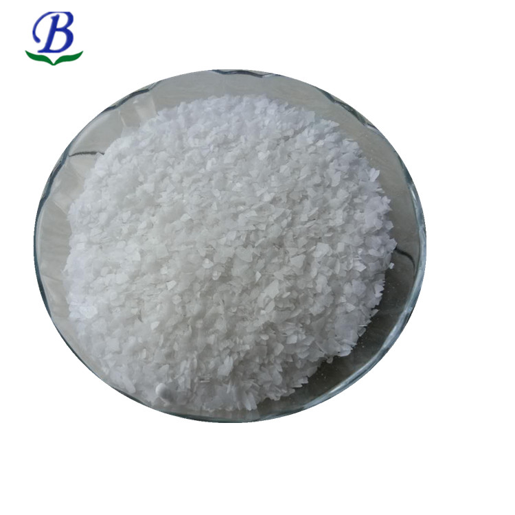 supply refrined/crude naphthalene camphor balls uses