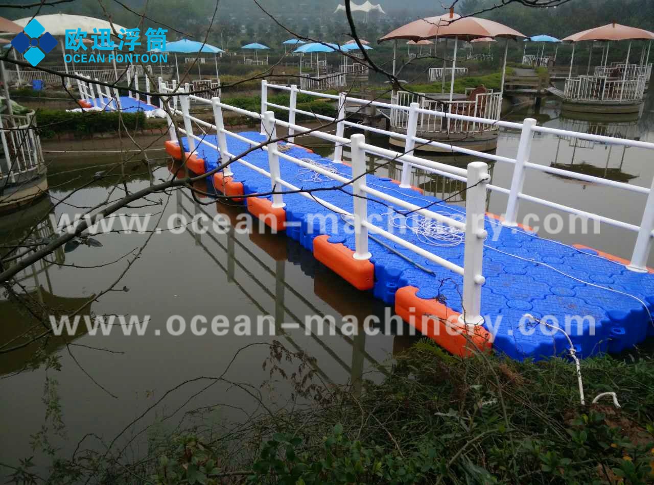 New product 2017 HDPE Floating Dock Plastic Pontoon Cubes for wholesales