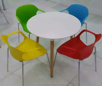 Modern Plastic Dining Table And Chair Set Round