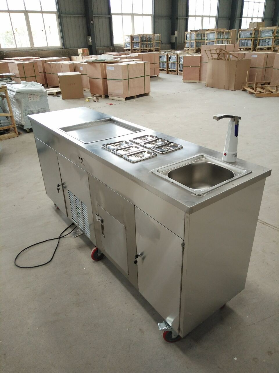 HTB1c9m SSzqK1RjSZFLq6An2XXau - 2019 New style Single Round Pan With sink and refrigerator  business fried  ice cream rolls machine