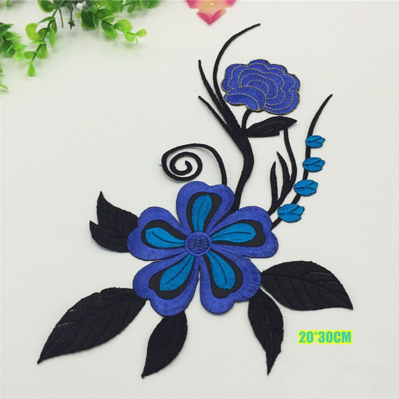 Beautiful big embroidered flower applique patches for dress repairing and decoration
