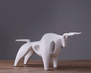 Resin animal cow abstract small size decoration figurines for indoor decoration