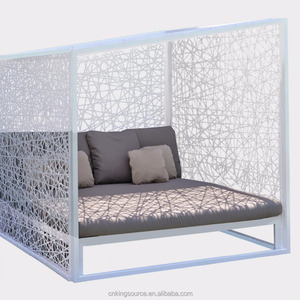 Poolside outdoor patio wicker beach furniture daybed