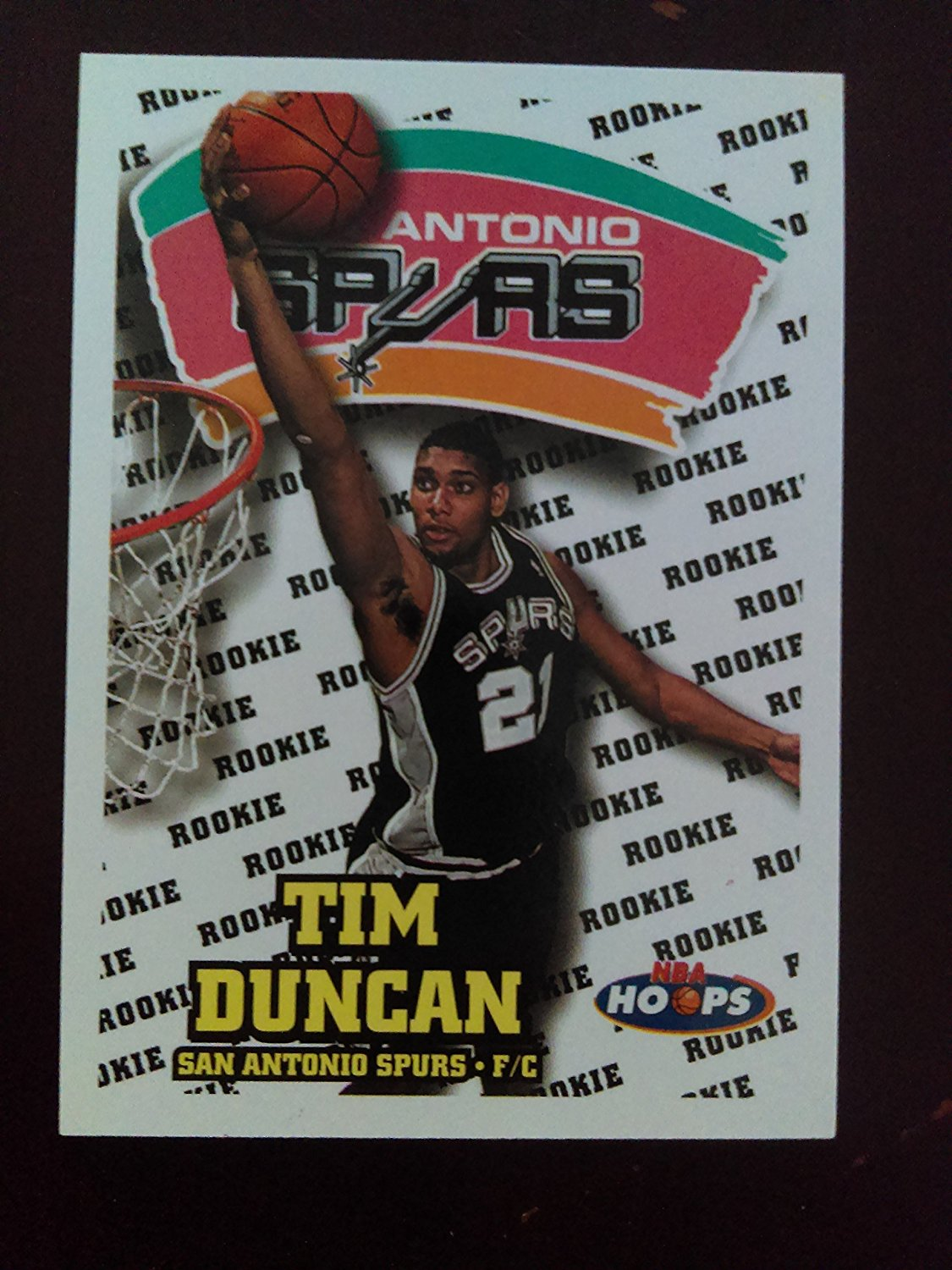 Tim Duncan (ROOKIE Basketball Card) 1997-98 NBA Hoops #166 - San Antonio Spurs / Wake Forest