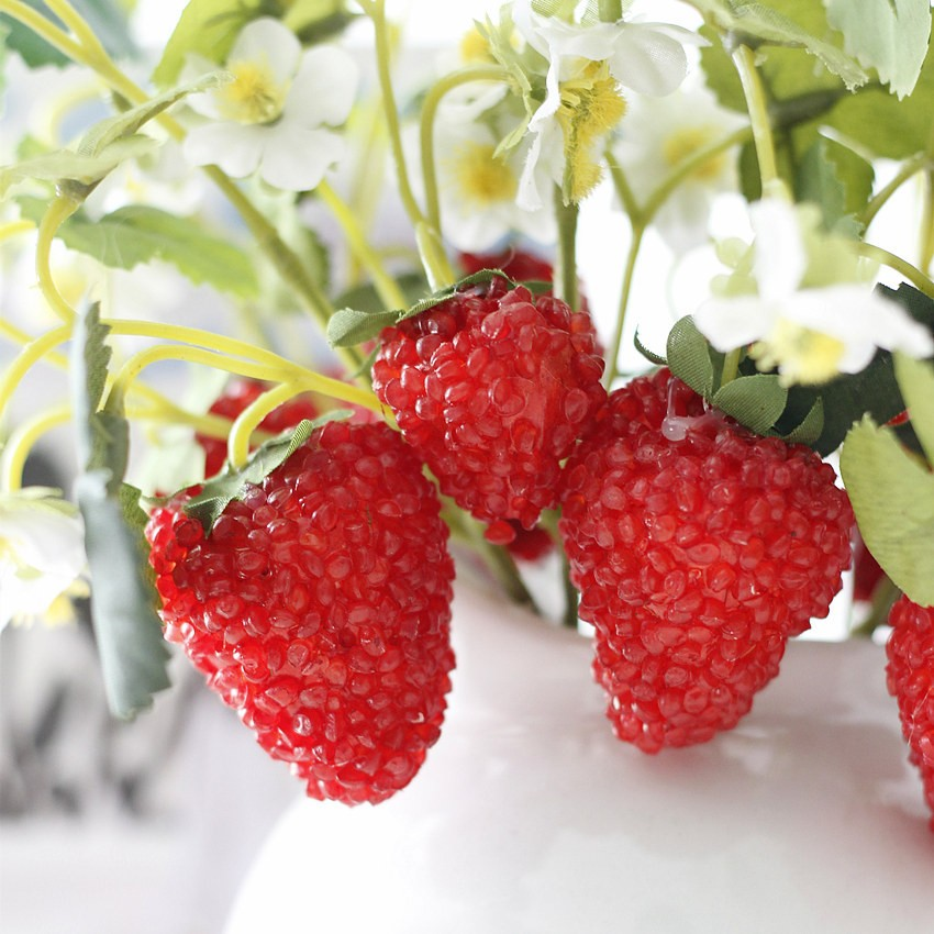 Artificial Plastic Red Berries Fake Strawberry 4 Heads Making For ...