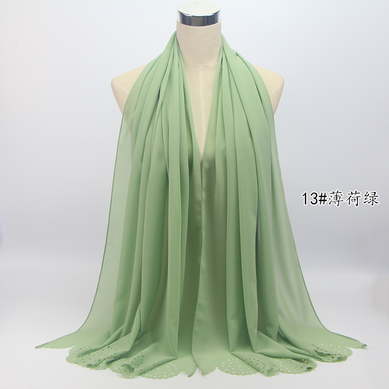 2018 new arrival chiffon hijab solid color high quality pearl chiffon laser cut hijab indonesia