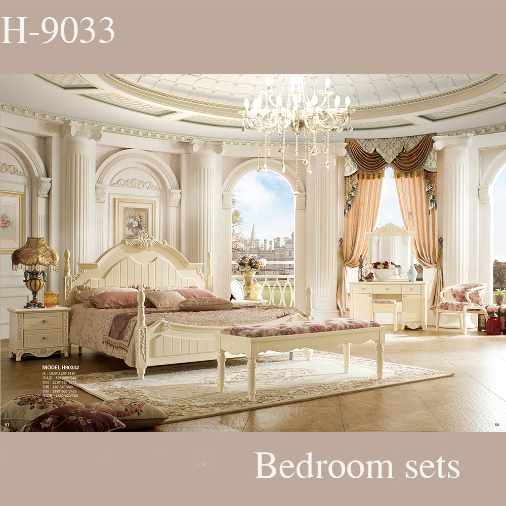Healthy Painting Royal Style Hand Carving King Size Hotel Bedroom Furniture Bed With Pillars