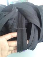 long chain nylon black / white coil teeth zipper