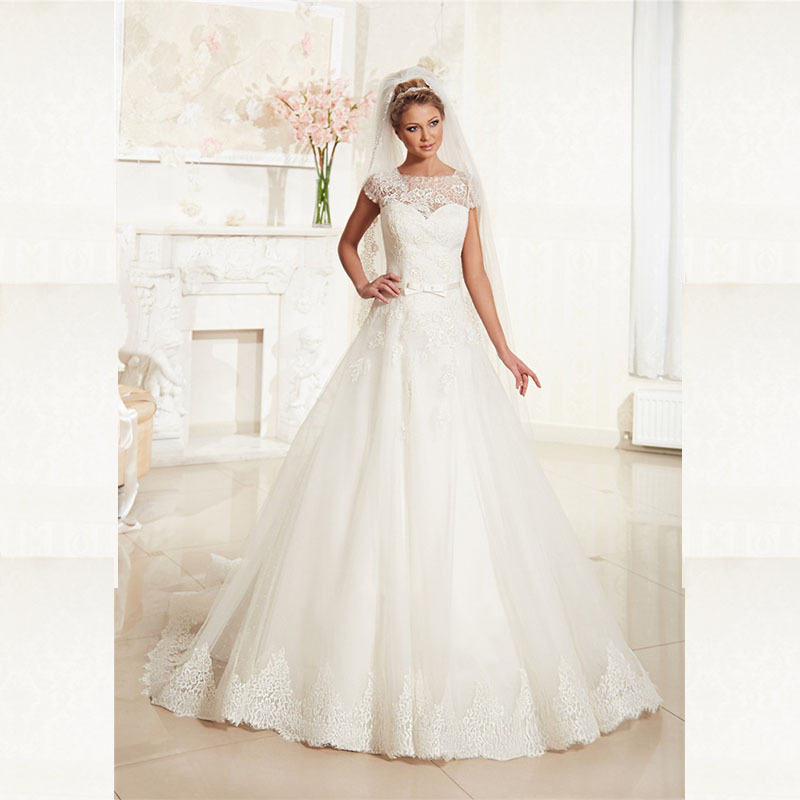 2015 A Line Wedding Dress Plus Size 2015 Lace Up Back Applique Lace Wedding Dresses Long Cap Sleeve Scoop Neck Robe De Marier