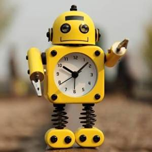 UR Creative Robot Alarm Clock Mute Clock Message Clips Home Decorative Clock Toy Gift