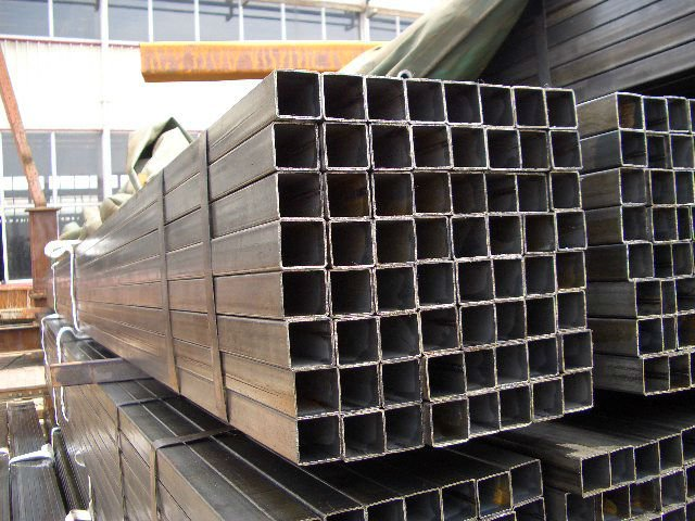 large diameter square steel pipe 9 in a bundle