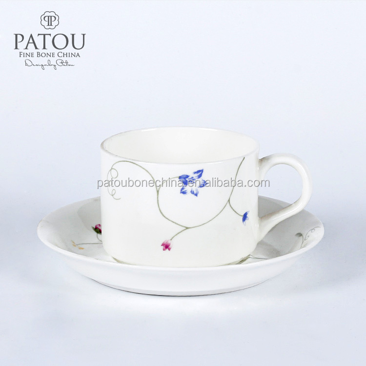 New design Premum Bone China Porcelain Tea Cups and Saucers sets with spoon