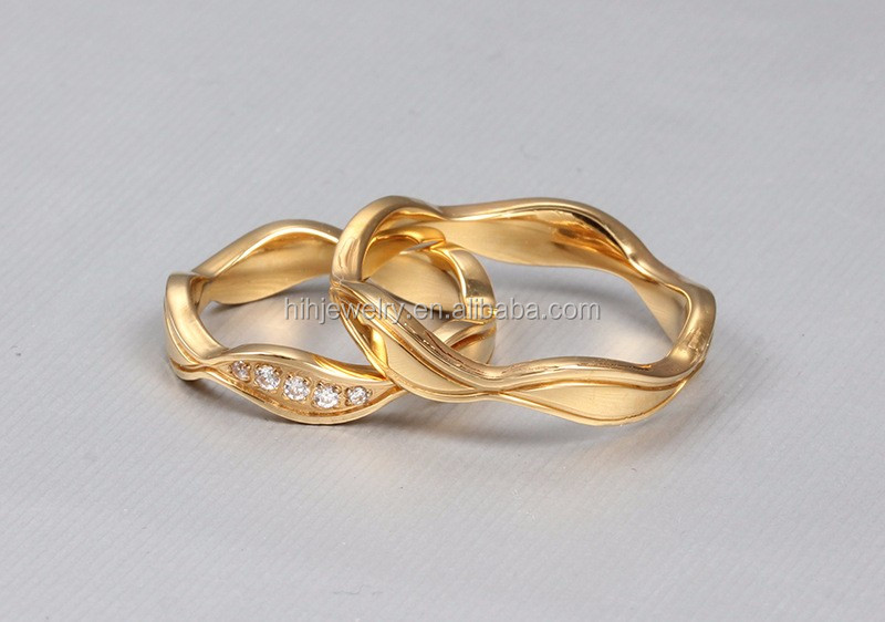 New Model Fourleaf Clover Shaped Ring Fancy Ladies Finger Gold