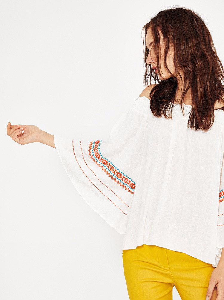 3f2e191e3cf34f 2018 trending products boho fashion rayon off shoulder embroidered women  blouse tops.