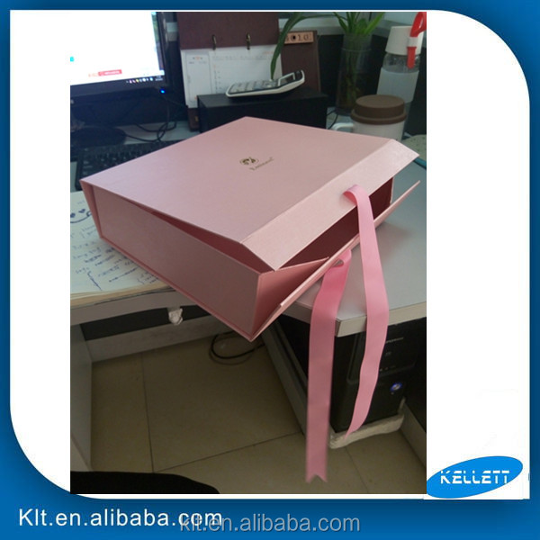 Customize collapsible box with magnet closure