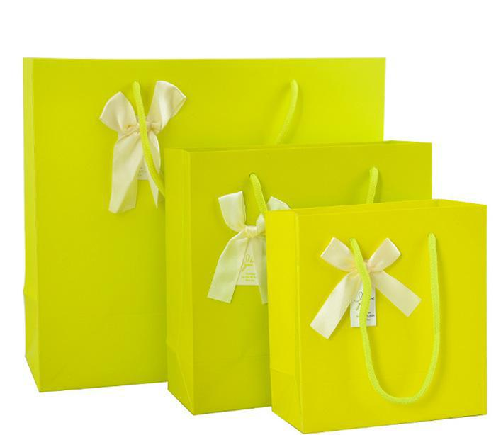 Cheap price Solid Color Low Cost Coated Paper Gift Bag