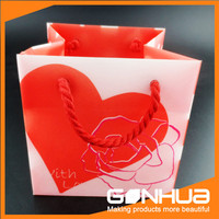 Modern style unique design hand bag for women gift wrapping plastic bags with different size