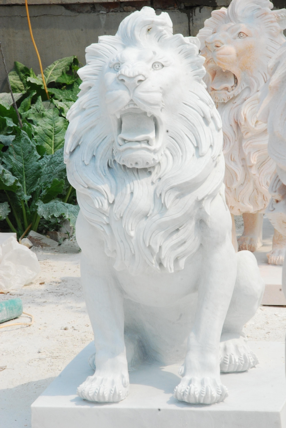 Carved Life Size Outdoor Garden Antique Stone Lion Statues,fu Dog Sculpture  YL D229