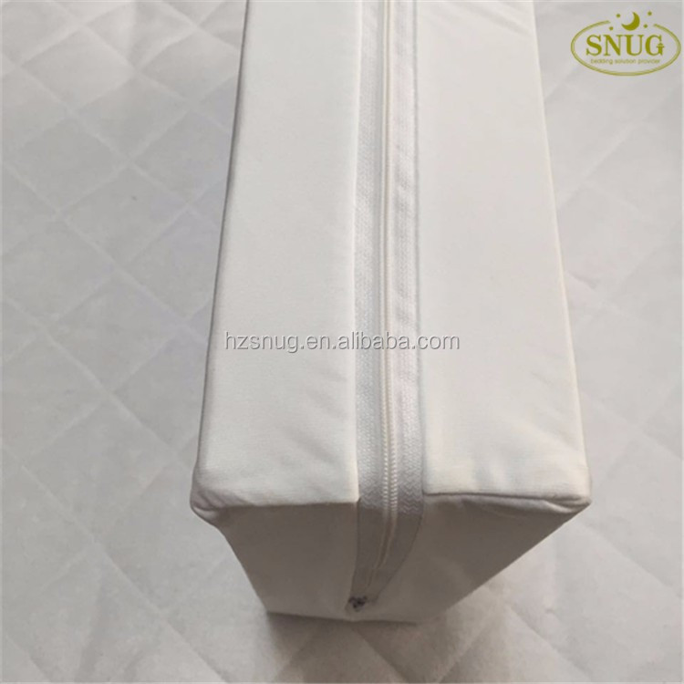 Poly Knit Bed Bugs Zippered Mini Mattress Protector Cover