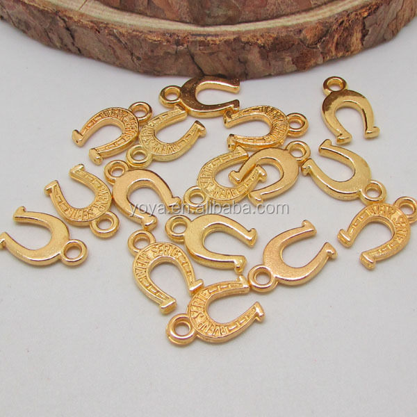 JS0915 Fashion lucky small gold horseshoe charms