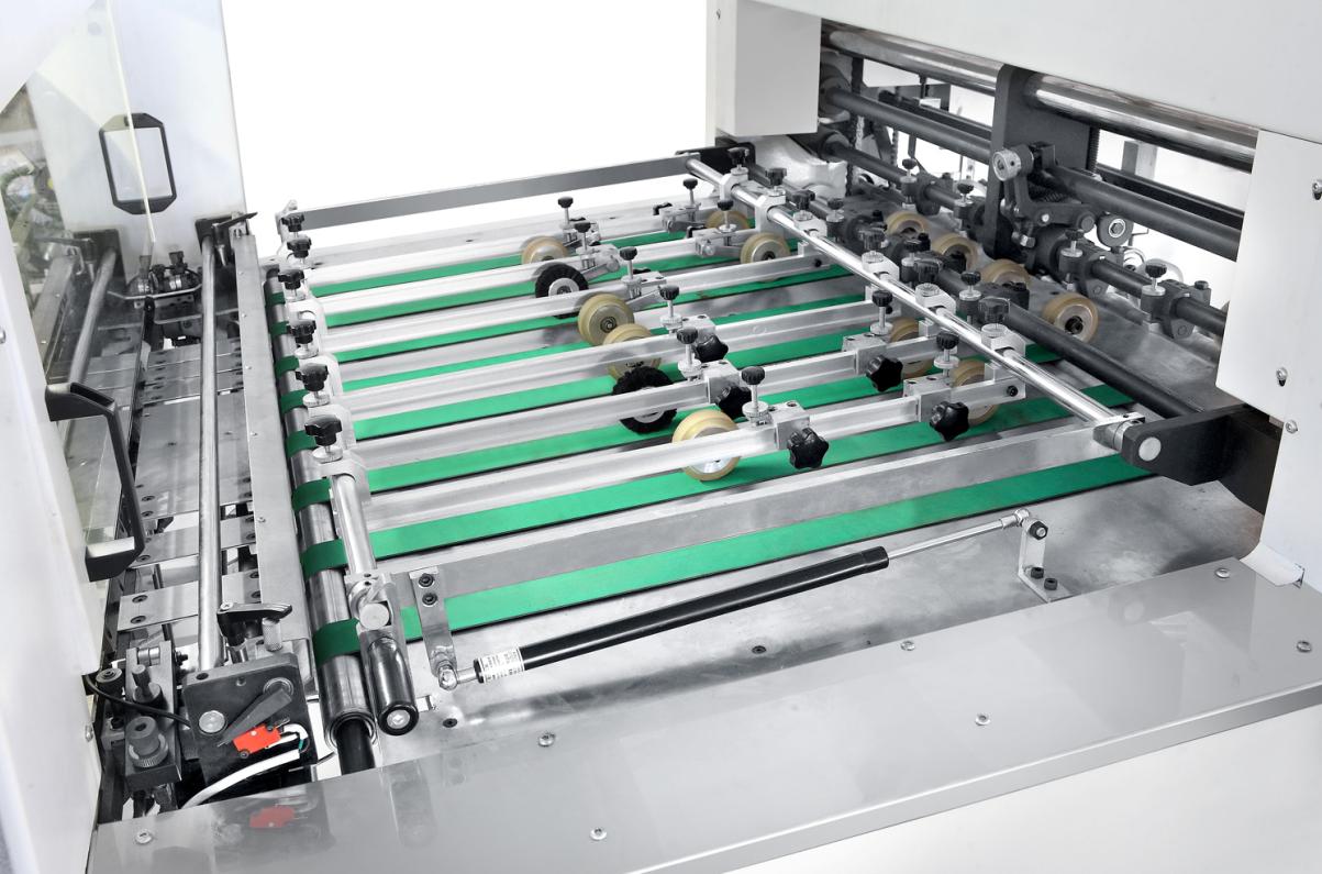 Automatische grayboard stanzen maschine/papier bord sterben schneiden maschine für puzzle/puzzle