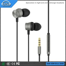 2018 latest metal shell earphone with remote control and mic for mp3/mp4