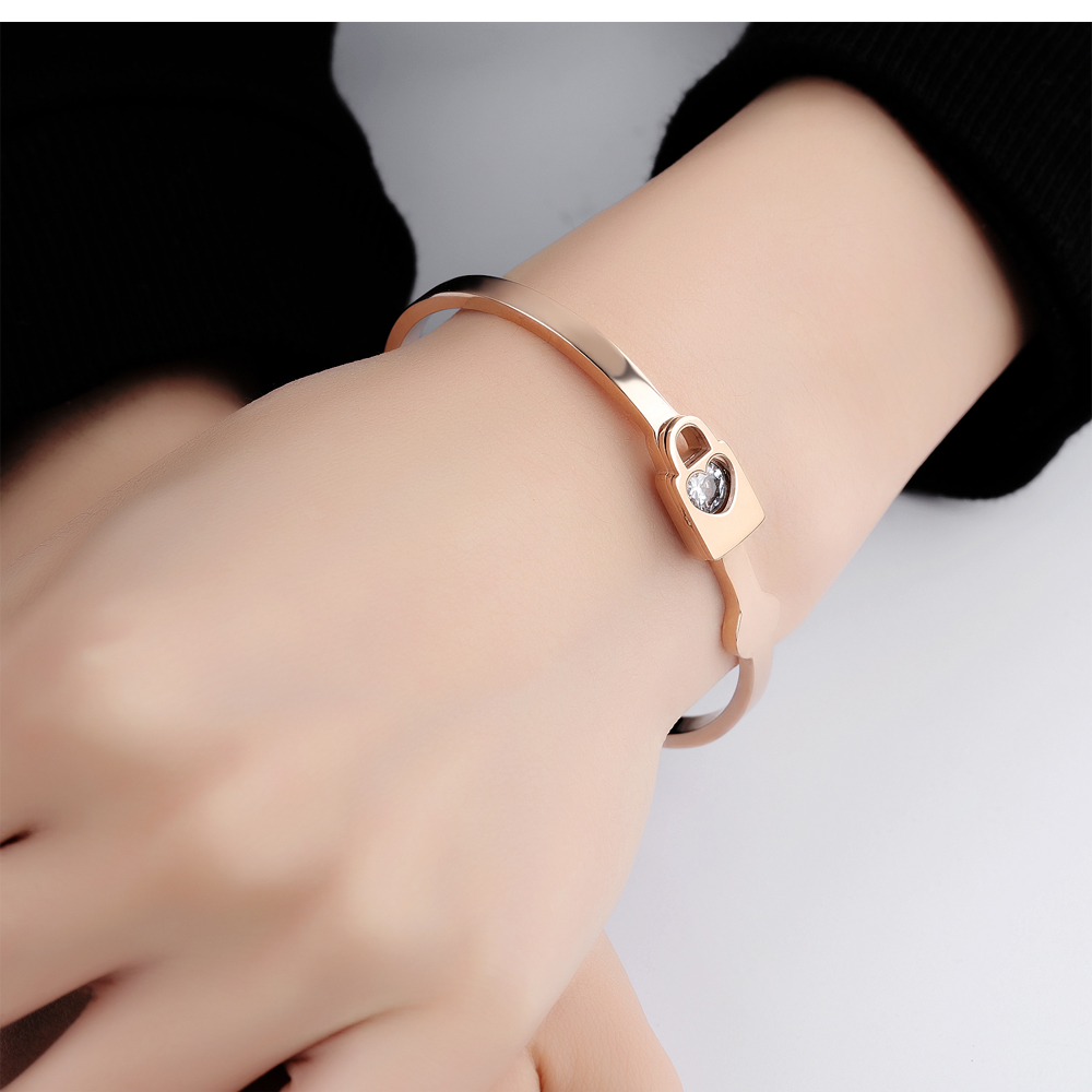 Custom Jewellery Stainless Steel Lock Design Women The Most Beautiful Bracelet