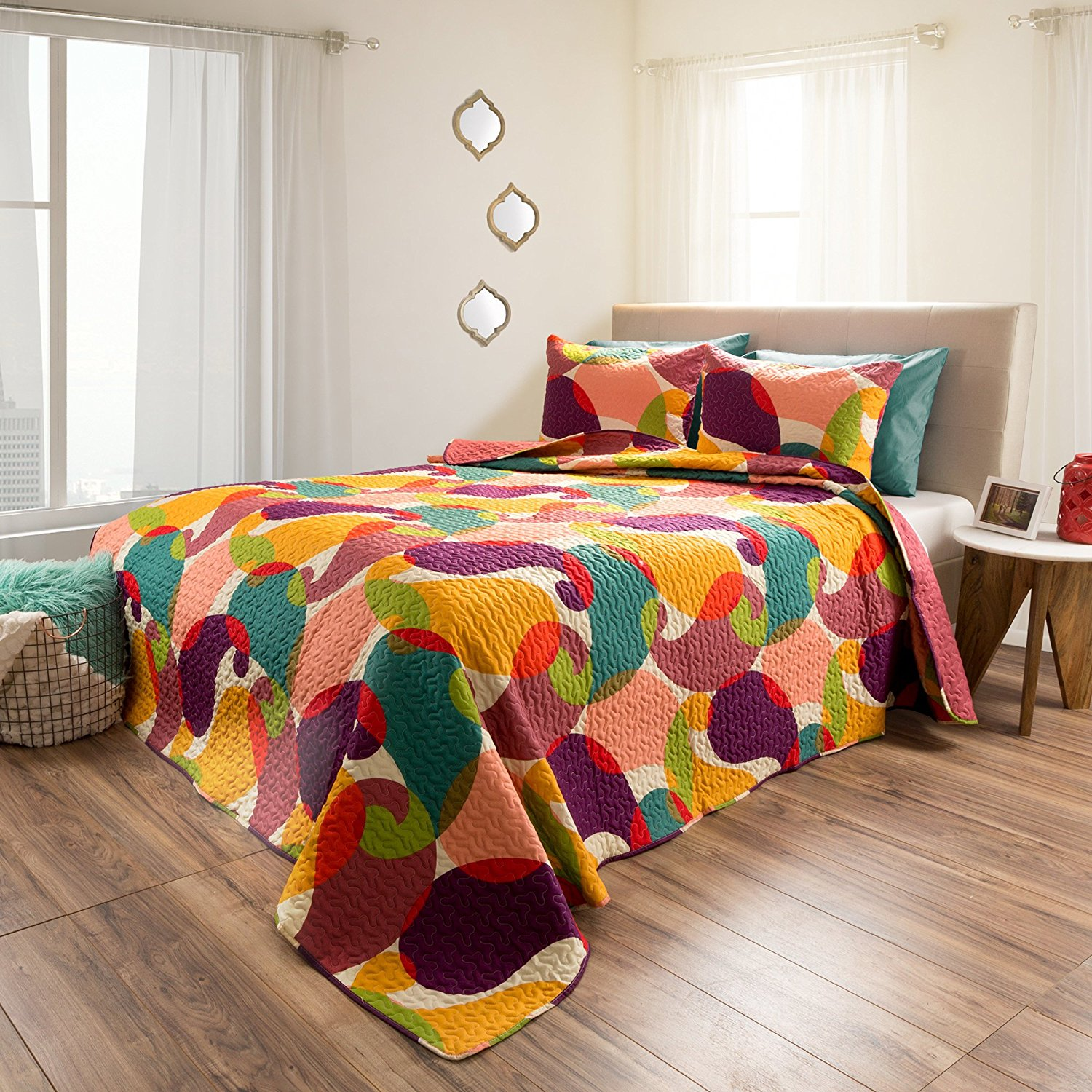2 Piece Girls Medallion Geomtric Pattern Quilt Twin Set, Beautiful All Over Girly Boho Chic Colorful Abstract Artistic Embossed Motif Pattern, Hippie Indie Style, Vibrant Colors, Polyester