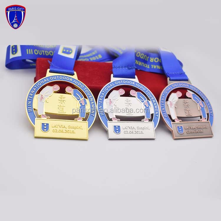 Custom Judo Sports Metal gold silver brass trophies and medals China for Latvia