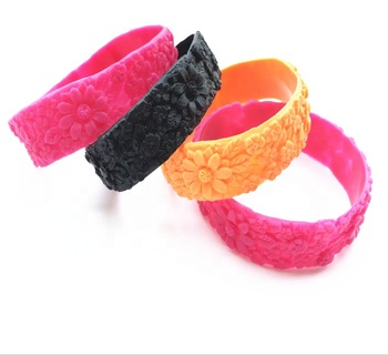 hot selling waterproof flower shaped 3D embossed silicone wristband