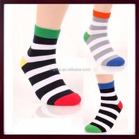 Fashion Custom Jacquard Socks Stripes Pattern Comfortable Casual Dress Combed Cotton Socks Man