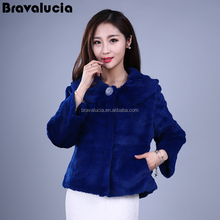Bright blue comfortable short section of small collar elegant wild fox fur coat