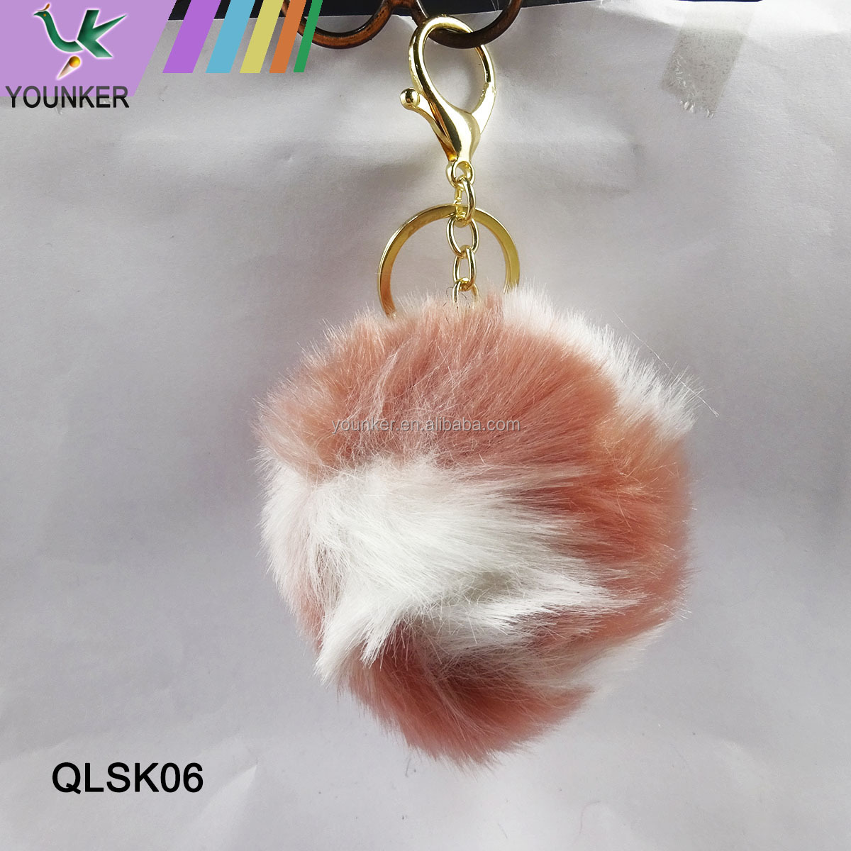 Hot Selling Assorted Color Fur Ball Pom Poms Keychain For Handbag