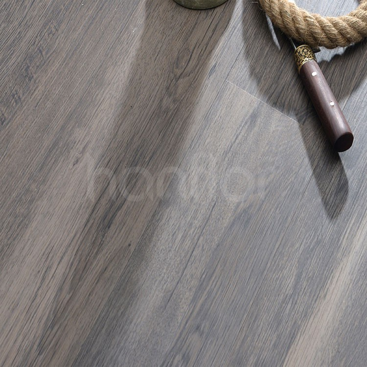 Waterproof oak grey color wood vinyl plank flooring.jpg