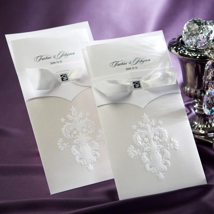 Barunson b9014 vintage wedding invitation card with white flor de barunson b9014 vintage wedding invitation card with white flor de lis buy barunsonbarunsonbarunson product on alibaba stopboris Image collections