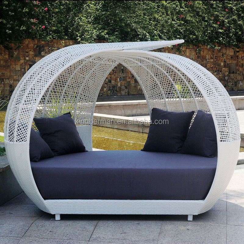 Luxury Outdoor Rattan Sun Bed Sun Loungers for Sale Wicker Rattan Lounge Day Beds