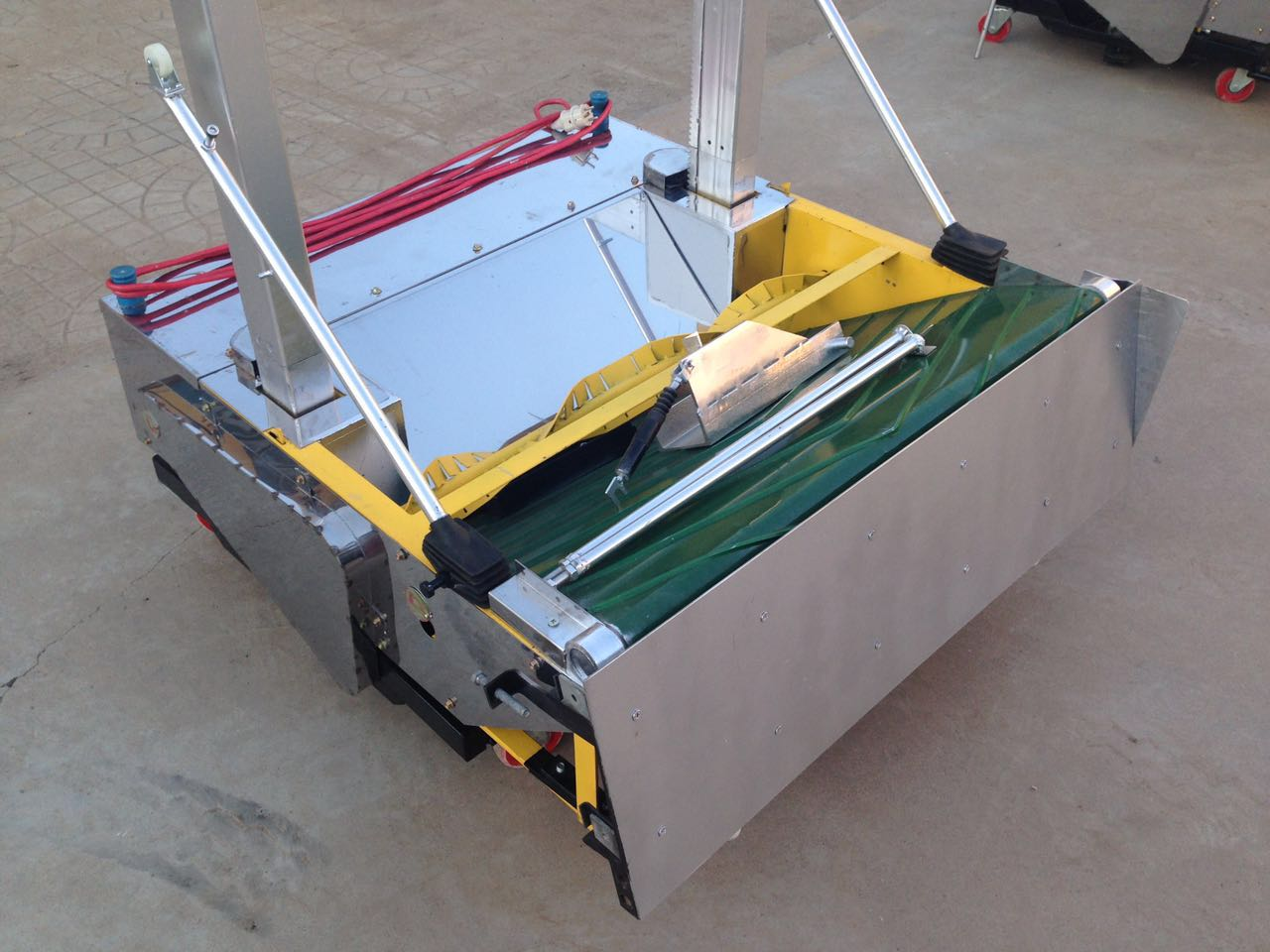automatic wall cement plastering machine,robot plaster machine / whitewashing machine for wall