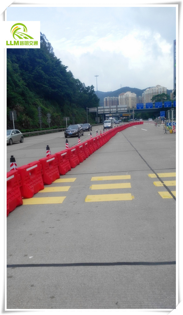 1100mm PE rotational moulding big road traffic barrier