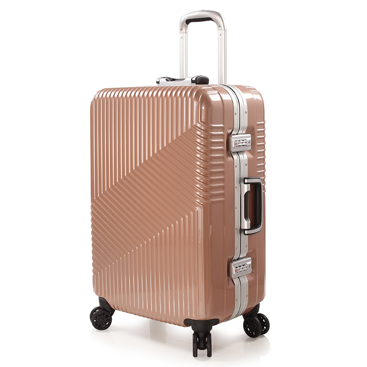 9628f0c9958de Cheap Big Luggage - Kellys Luggage