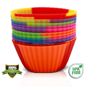 Non-stick Heart Shape Baking Cups Sets FDA Silicone cupcake liner, cupcake mold