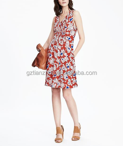 China Guangzhou clothing OEM Pintuck pleats at bodice On-seam pockets V-neck Sleeveless floral Pleated Pocket women Dress