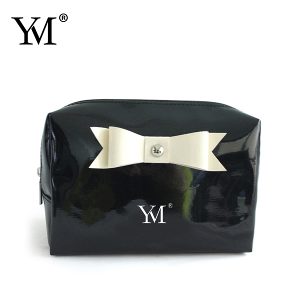 2016 fashion basics shiny favorable factory cosmetic pouch/pvc make up bag with bowknot