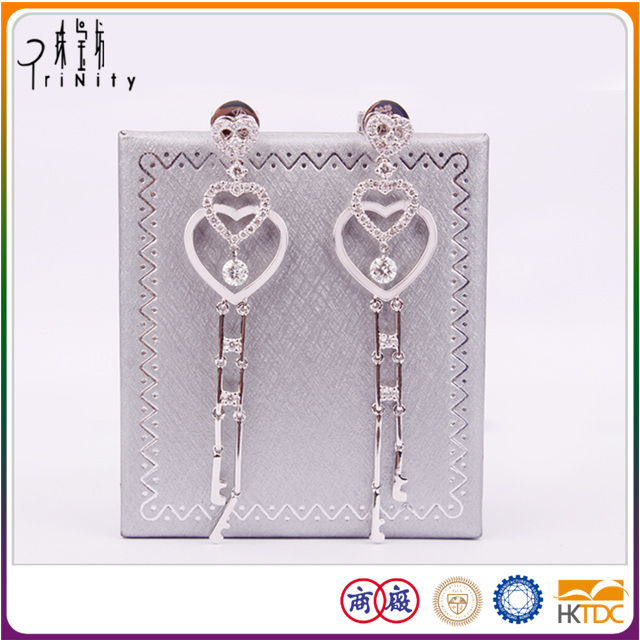 Wholesales 18K White Gold Diamonds Heart Shaped Ladies Earrings Designs Pictures