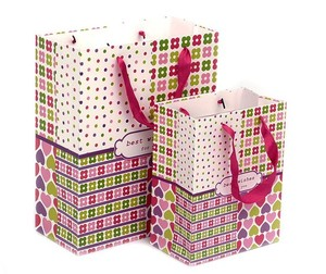custom design paper gift bag