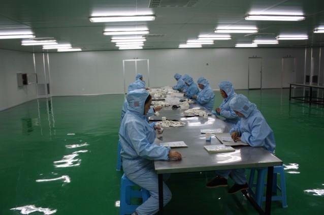 CE & ISO 승인 비 흡수성 실크/나일론/폴리 프로필렌/폴리 에스터 외과 봉합