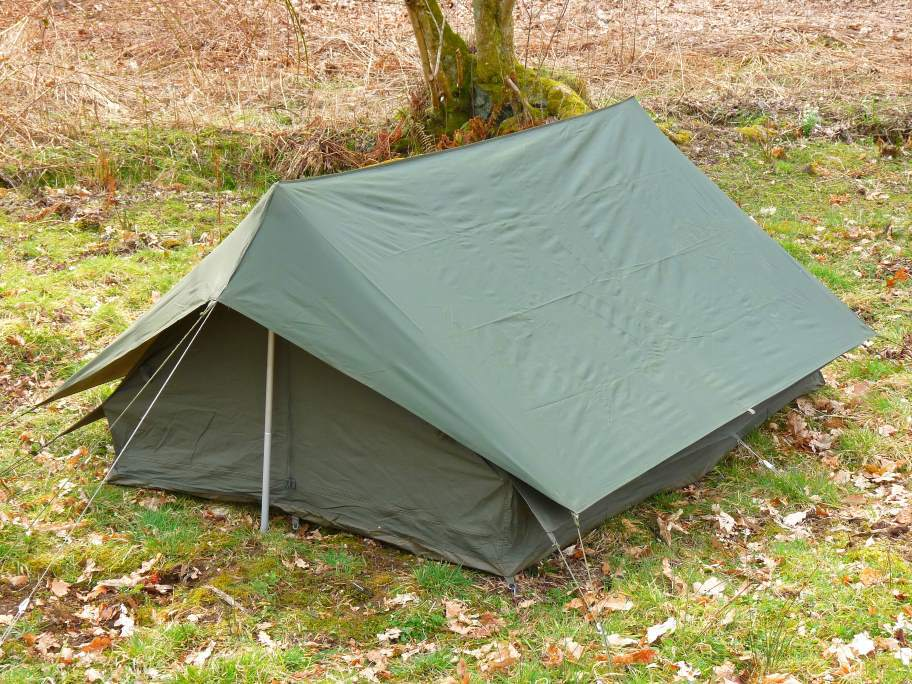 Double layers ridge french military tent