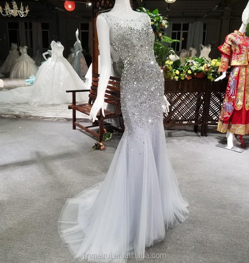 vestidos fiesta blancos cristales y cuello halter