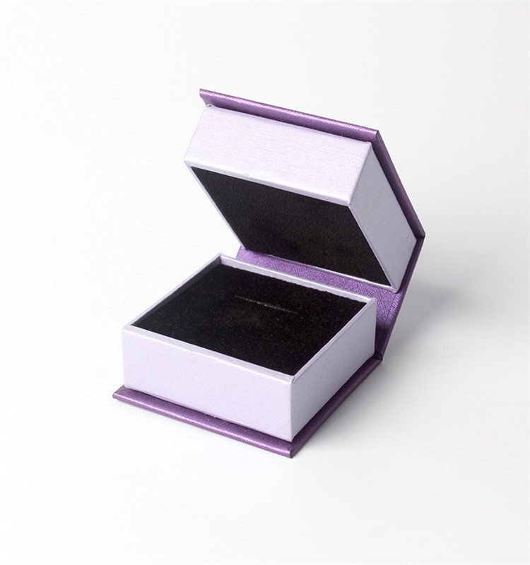 Luxury customized jewelry gift box packaging with logo