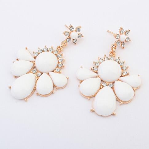 Free shipping 2015 new fashion jewelry accessories wholesale hot sale punk gold trendy women white acrylic flower stud earring